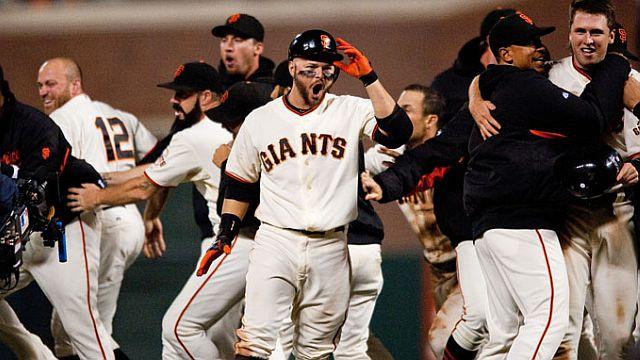 Celebración de Gigantes de San Francisco al ganar el tercer juego