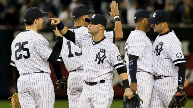 Yankees se felicitan al avanzar a la Serie de Campeonato
