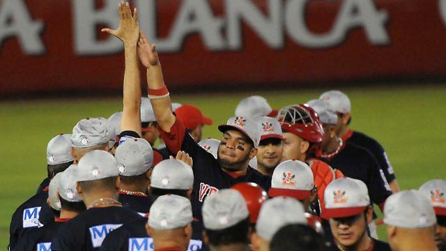 Felicitación de Rojos del Águila de Veracruz