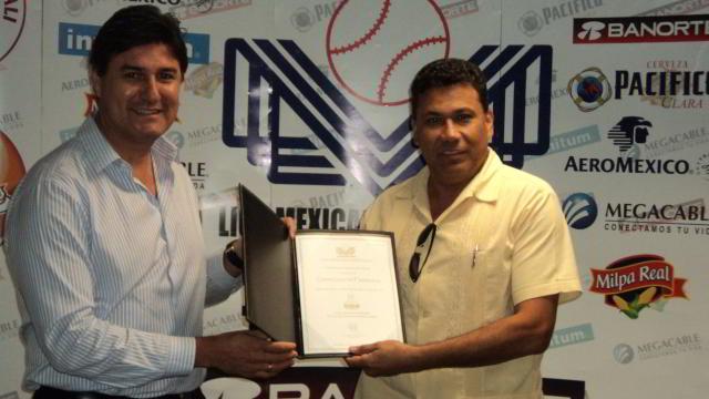 Entrega de certificados de franquicias en la Liga Mexicana del Pacífico