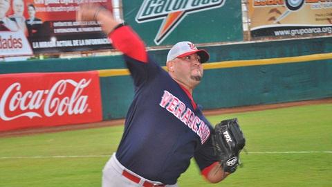 Juan Acevedo, pitcher de Rojos del Águila de Veracruz