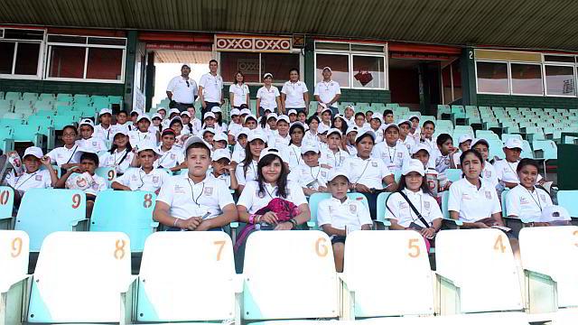 Visita al Estadio Héctor Espino dentro del programa Escuela Siempre Abierta