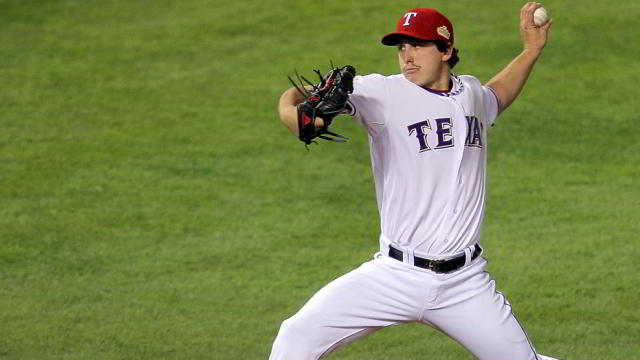 Derek Holland, pitcher de Rangers de Texas