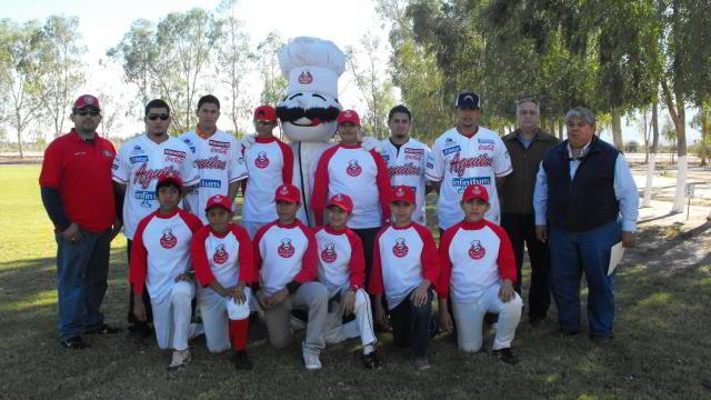 Águilas de Mexicali apoyando al béisbol de la localidad