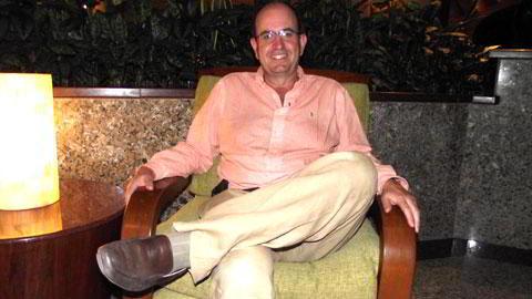 Dr. Carlos Mejía