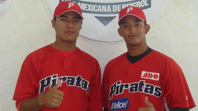 Irvin Domínguez y José Espinoza de la Liga Rookie de la Academia LMB