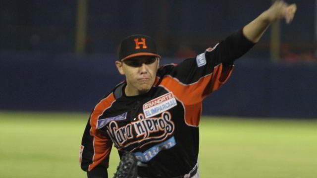 Juan Pablo Oramas, pitcher de Naranjeros de Hermosillo