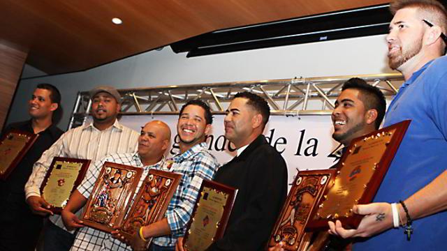 Entrega de reconocimientos 2011-2012 en Venezuela