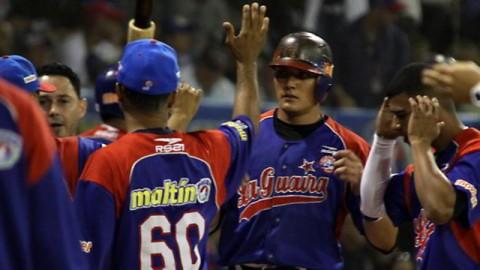 Miguel Rojas de Tiburones de La Guaira en Venezuela