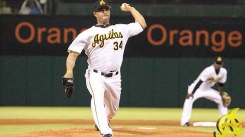 Raúl Valdés, pitcher de Águilas Cibaeñas de la República Dominicana