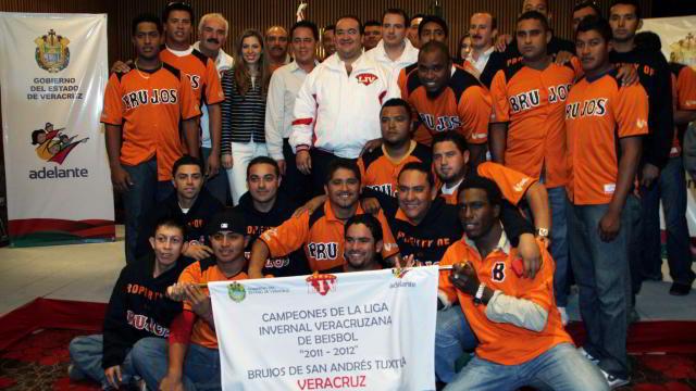 Abanderamiento de Brujos de Los Tuxtlas por el Gobernador de Veracruz