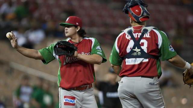 Luis Alonso Mendoza de México en la Serie del Caribe 2012