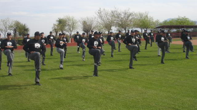 Preparación física de umpires en la pretemporada de la Liga Mexicana