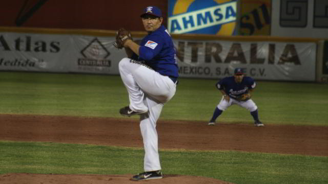 Pitcher Esteban Hernández de Acereros de Monclova