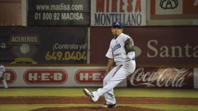 Carlos Elizalde, pitcher de Acereros de Monclova