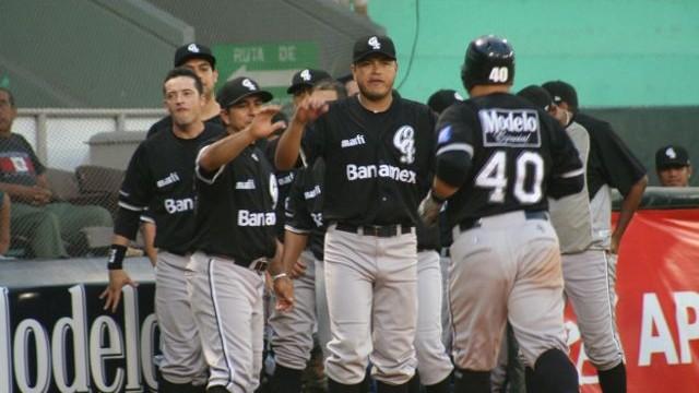 Guerreros felicitan a Sergio Gastélum en Minatitlán