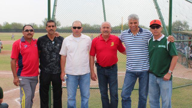 Homar Rojas de visita en la Academia de la Liga Mexicana de Beisbol