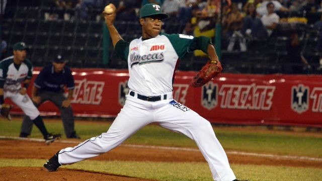 José Cabrera, pitcher de Olmecas de Tabasco enfrentando a Petroleros