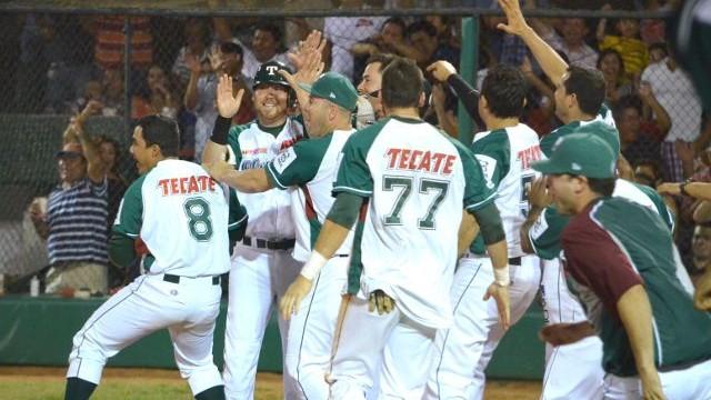 Celebración de Olmecas de Tabasco ante Veracruz
