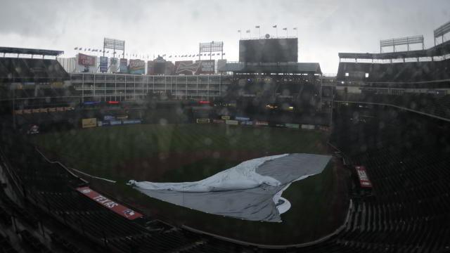 Condiciones del Rangers Ballpark después del paso del tornado