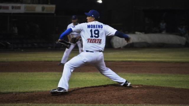 Víctor Moreno, pitcher de Acereros de Monclova