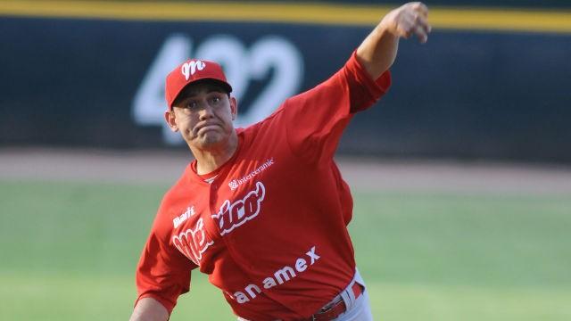 Arturo López, pitcher de Diablos Rojos del México en la Laguna
