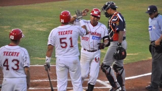 Javier Robles de Piratas de Campeche frente a Tigres