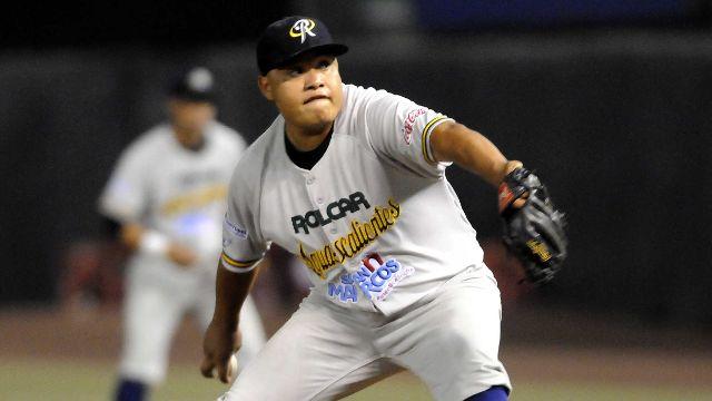 Osvaldo Pacheco, pitcher de Rieleros de Aguascalientes en México