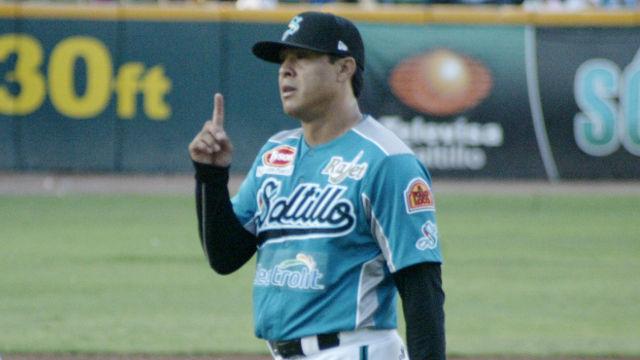 Rafael Díaz de Saraperos de Saltillo ante Guerreros