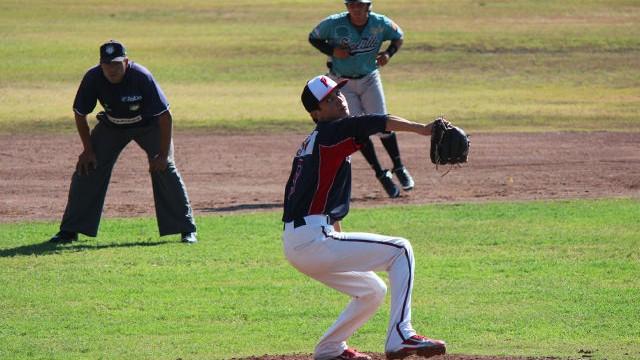 Brandon Huez de CAMTAB en la Liga Clase AA de la Academia LMB