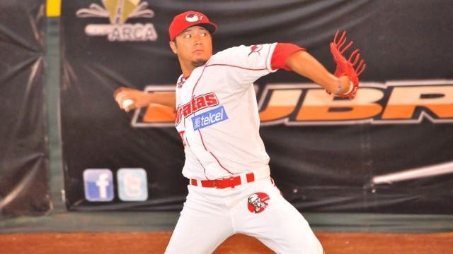 Héctor Velázquez, pitcher de Piratas de Campeche frente a Sultanes