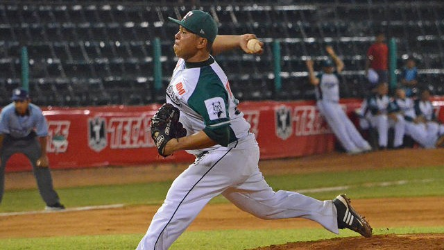 Leo González, pitcher de Olmecas de Tabasco frente a Saraperos