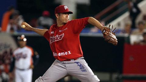 Marco Quevedo de Diablos Rojos del México lanzando en Quintana Roo