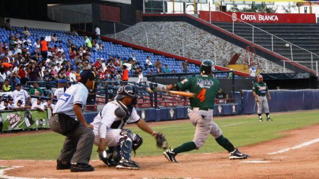 Oswaldo Morejón de Leones de Yucatán en Monterrey