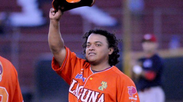 Santiago González de Vaqueros Laguna frente a Piratas
