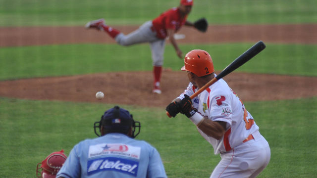 Luis Arredondo de Vaqueros Laguna frente a Diablos Rojos