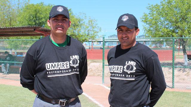 Umpires Jair Fernández y Jesús López