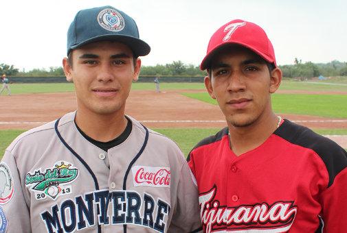Jorge Olivas de los Sultanes de Monterrey y Gabriel Martínez de los Acereros de Monclova